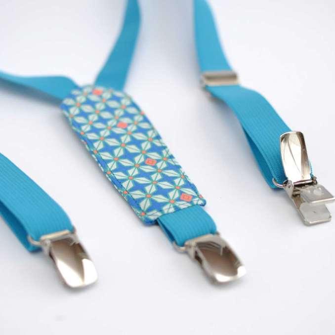 """Bretelles enfant élastique bleu turquoise et tissu à motifs géometriques Petit Pan """"Helium"""""""